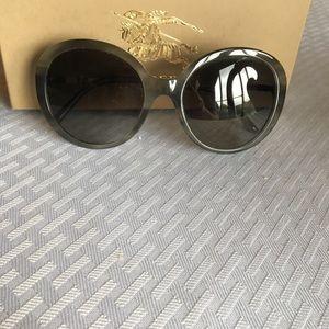 a693e1542a02 Burberry Accessories - Burberry Sunglasses Luxottica